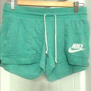 Womens Medium Cotton Nike shorts